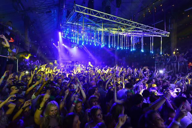 Holiday destinations for nightlife