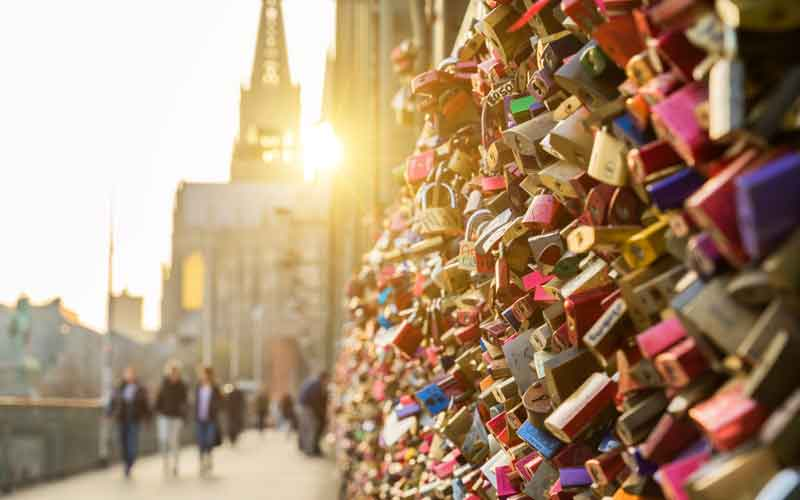 Love lock bridge usa