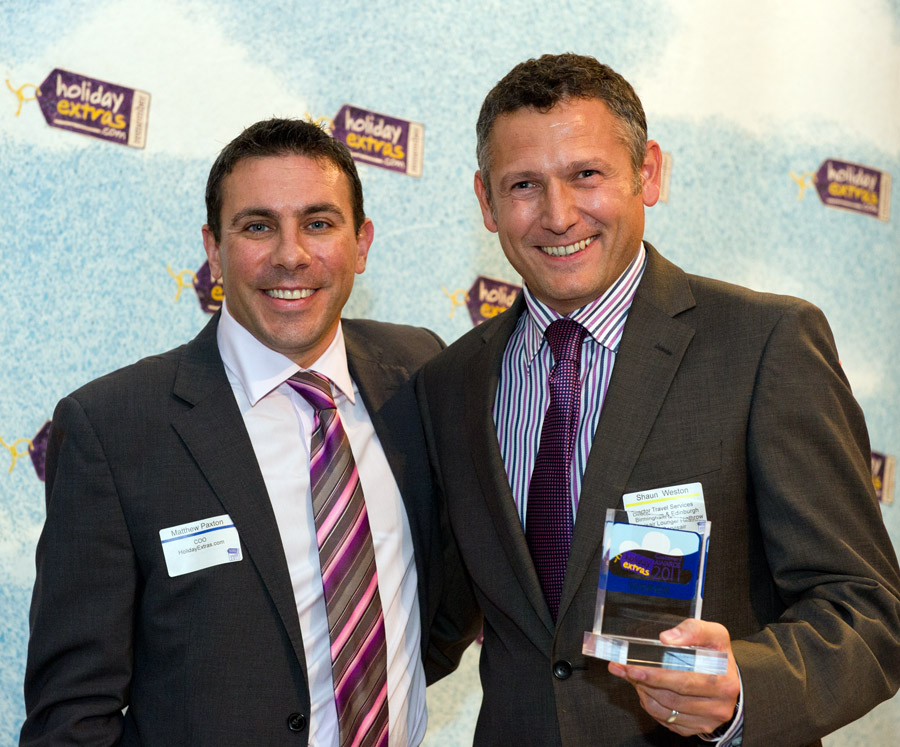 Edinburgh Servisair wins the Best Airport Lounge category at the HolidayExtras.com Awards
