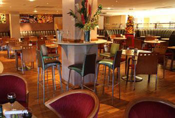 Ramada Glasgow airport bar
