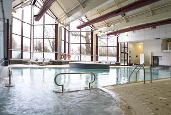 gatwick crowne plaza swimming pool