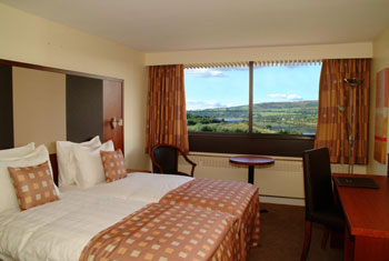 Stay at the Erskine Bridge at Glasgow airport