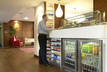 Hampton by Hilton Liverpool airport bar