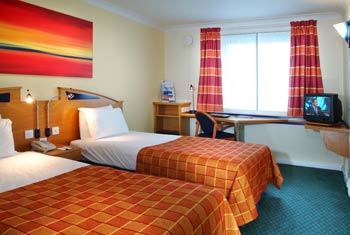 holiday inn express hotel luton airport
