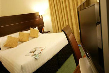 cheap leeds bradford airport hotels