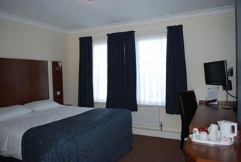 Book a hotel at Cardiff airport