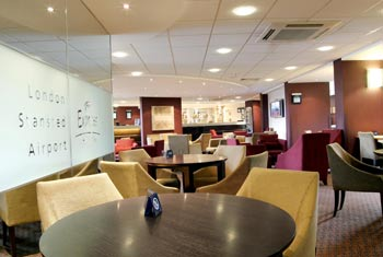 stansted holiday inn express bar