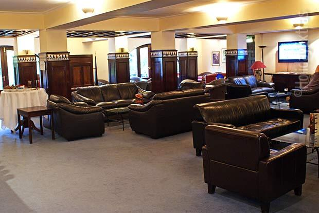 Gatwick Britannia Lodge lounge