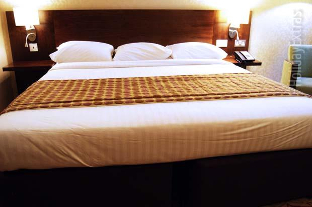 Gatwick Marriott Courtyard bed