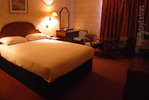 Double room at the Effingham Park Gatwick