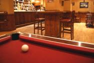Play pool at the Gatwick Effingham Park