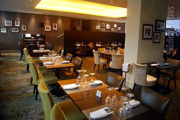 Book a table at Gatwick Hilton's elegant Amy's restaurant
