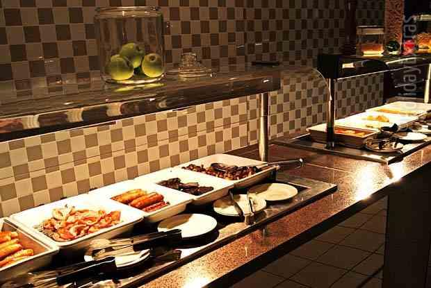 Enjoy breakfast at the Gatwick Holiday Inn