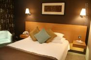 Double room at the Gatwick Menzies Chequers