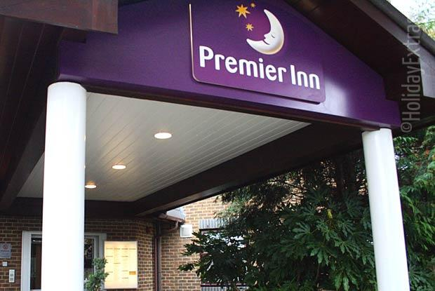 The welcoming entrance to the the Premier Inn A23 Airport Way