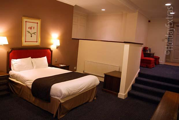 Double room at the Gatwick Ramada Crawley Hotel