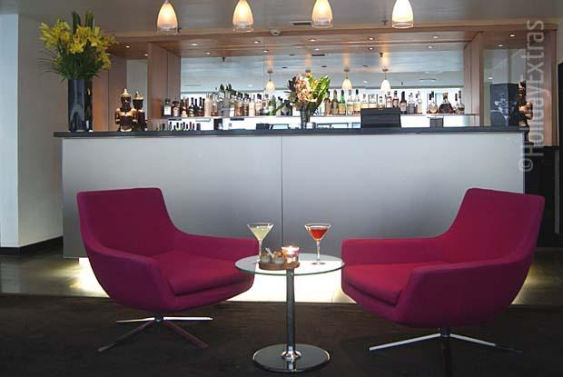 Have a drink with friends at the Kua bar while you stay at the Sofitel Gatwick