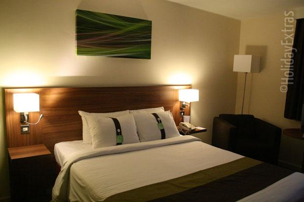 Holiday Inn Slough Windsor double room