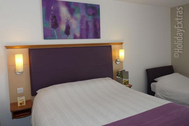 Rooms At The Premier Inn Heathrow The Good Night Guarantee