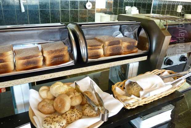 Bread and pastries for breakfast at the Heathrow Thistle
