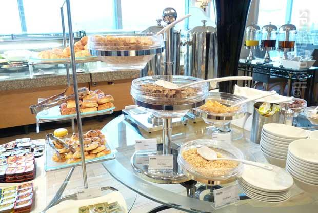 Breakfast at the Thistle Heathrow airport