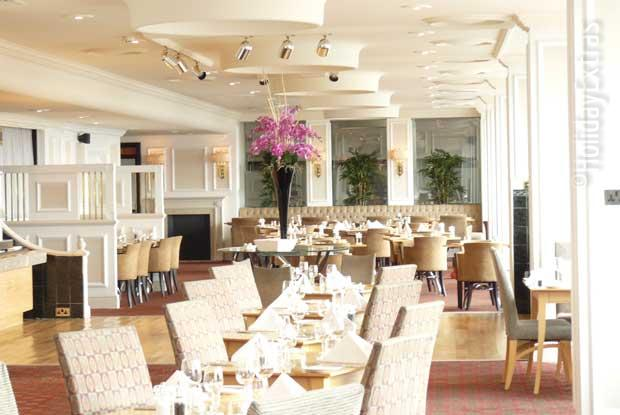 Restaurant at the Heathrow Thistle