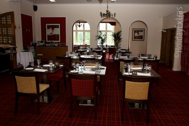The restaurant at the Mercure Leeds Parkway hotel