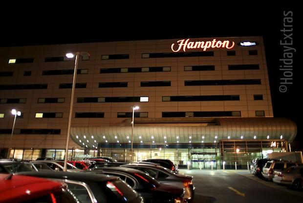 Hampton by Hilton at night
