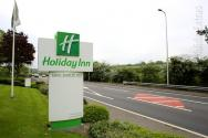 Holiday Inn Luton South M1 J9. sign