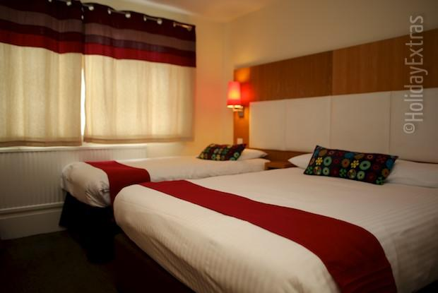 A triple room at the Altrincham Lodge