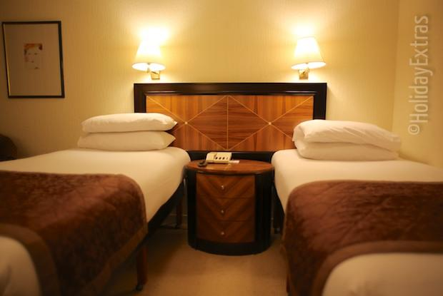 Britanni Manchester Airport twin room