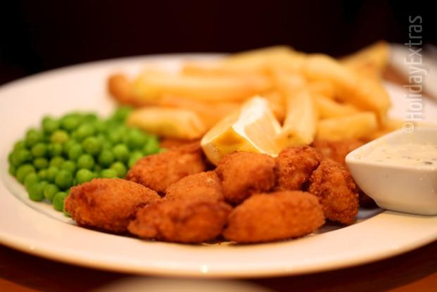 Scampi_and_chips_at_the_Holiday_Inn