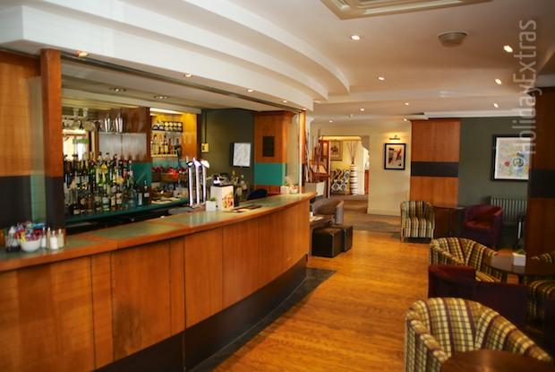 Mercure Bowdon bar