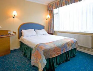 Cheap Heathrow airport hotels