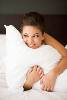 airport hotel - girl with pillow