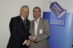 Gerry Pack presents Bill McKimm of easyJet with the award for best airline for value for money