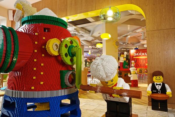 Bricks Family Restaurant at Legoland Resort Hotel