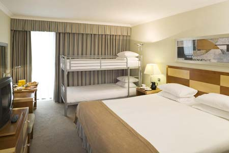 Gatwick airport hotels family rooms save with for Family room in a hotel
